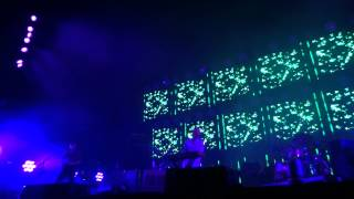 Radiohead - Treefingers (live in Nimes 10th of july 2012)