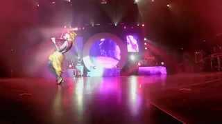 Lindsey Stirling - Shatter Me [Live]