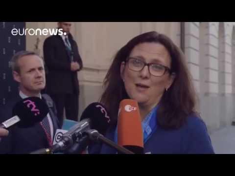 EU trade ministers consider troubled transatlantic pacts in Bratislava