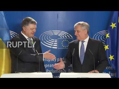 France: 'Final farewell to Russian Empire' – Poroshenko signs EU visa liberalisation deal