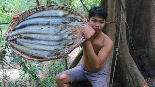 WOW! Yummy a Lot Fish Recipe - Cooking Fish Recipe in forest Eating Delicious