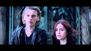 Mortal Instruments Město z kostí Kniha VS. Film streaming