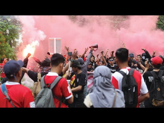 Episod azab penyokong Malaysia sebelum perlawanan Malaysia-Indonesia