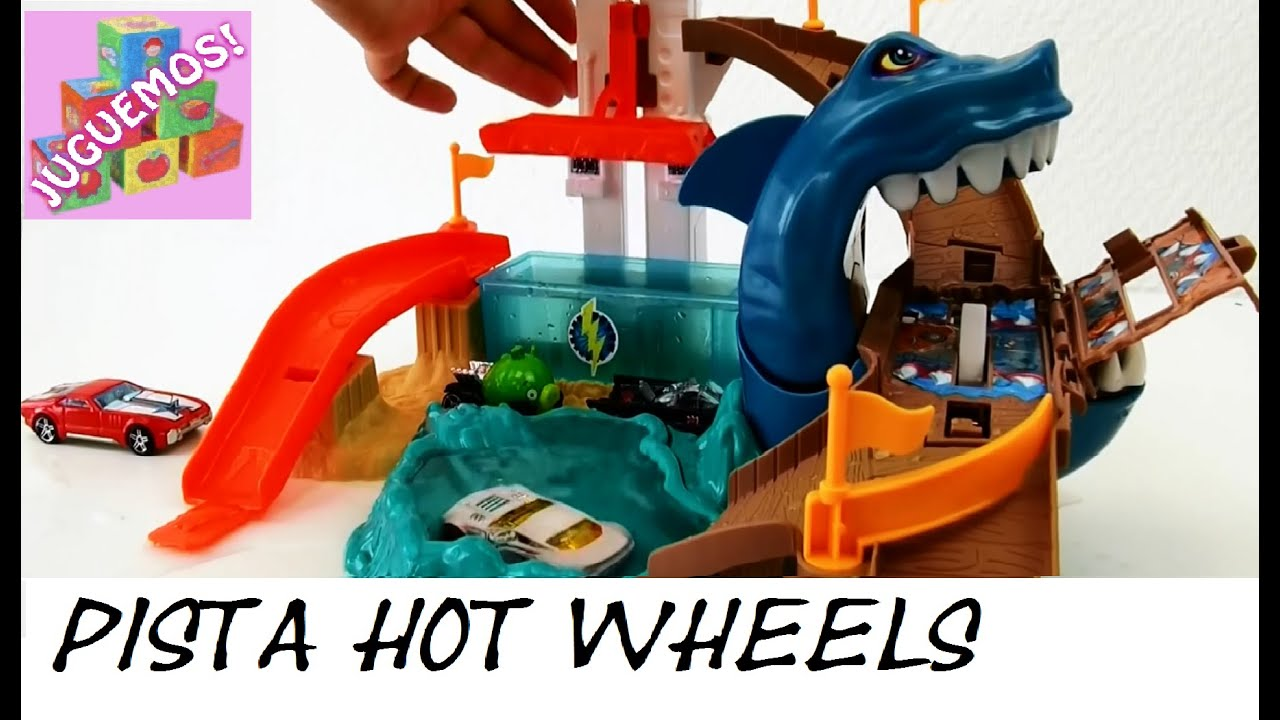 Circuito Hot Wheels : La pista hot wheels con el temible tiburÓn devorador de autos que