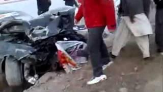CAR RACING DANGEROUS ACCIDENT IN KARACHI (PAKISTAN)