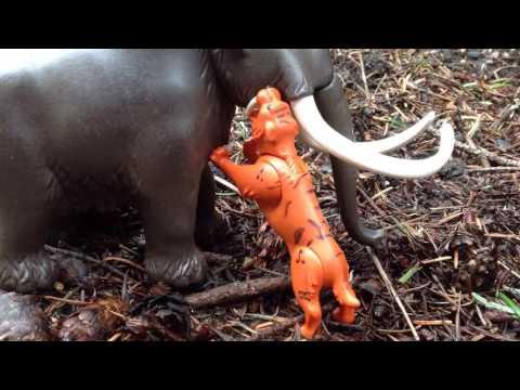 Wooly Mammoth vs Smilodon Pair