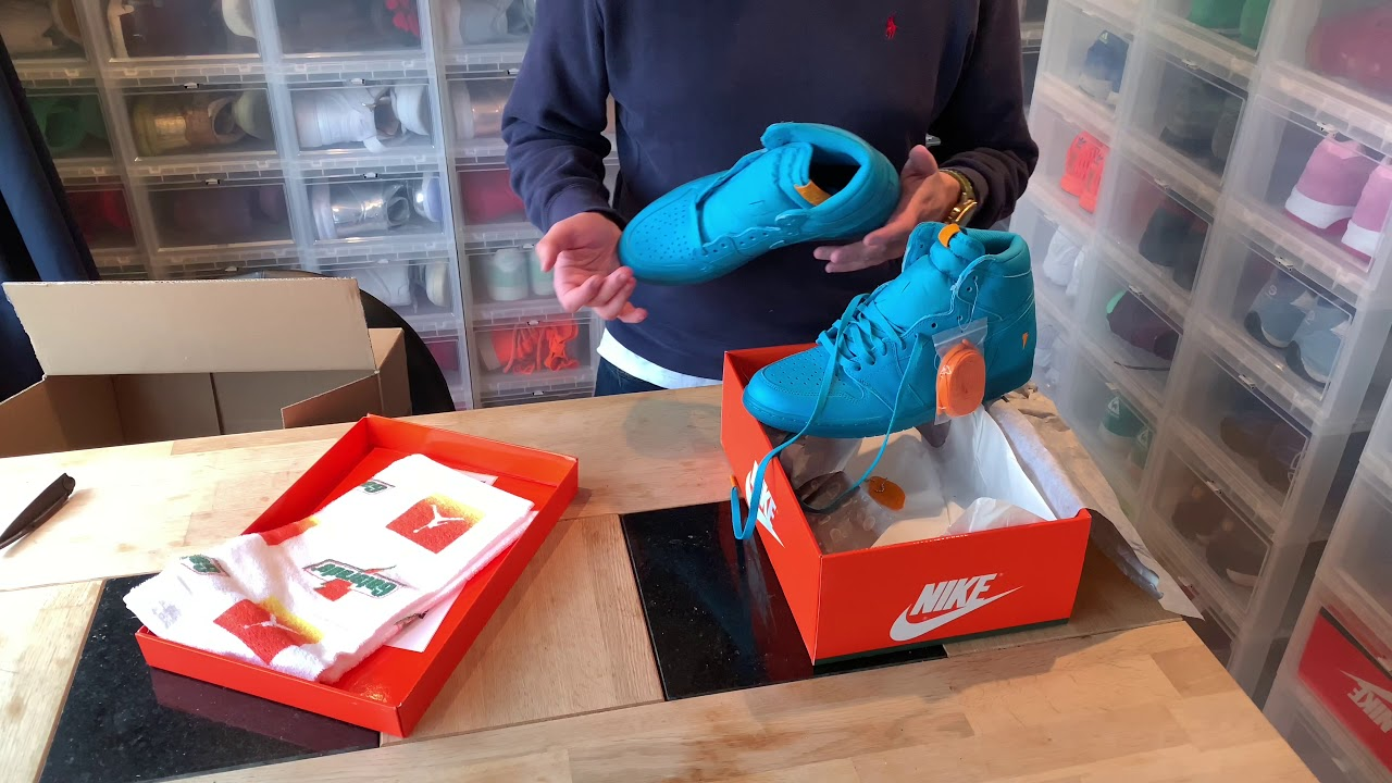 165205be9ecf6e Unboxing   Air Jordan 1 Retro Hi OG G8RD  Cool Blue  – Gatorade