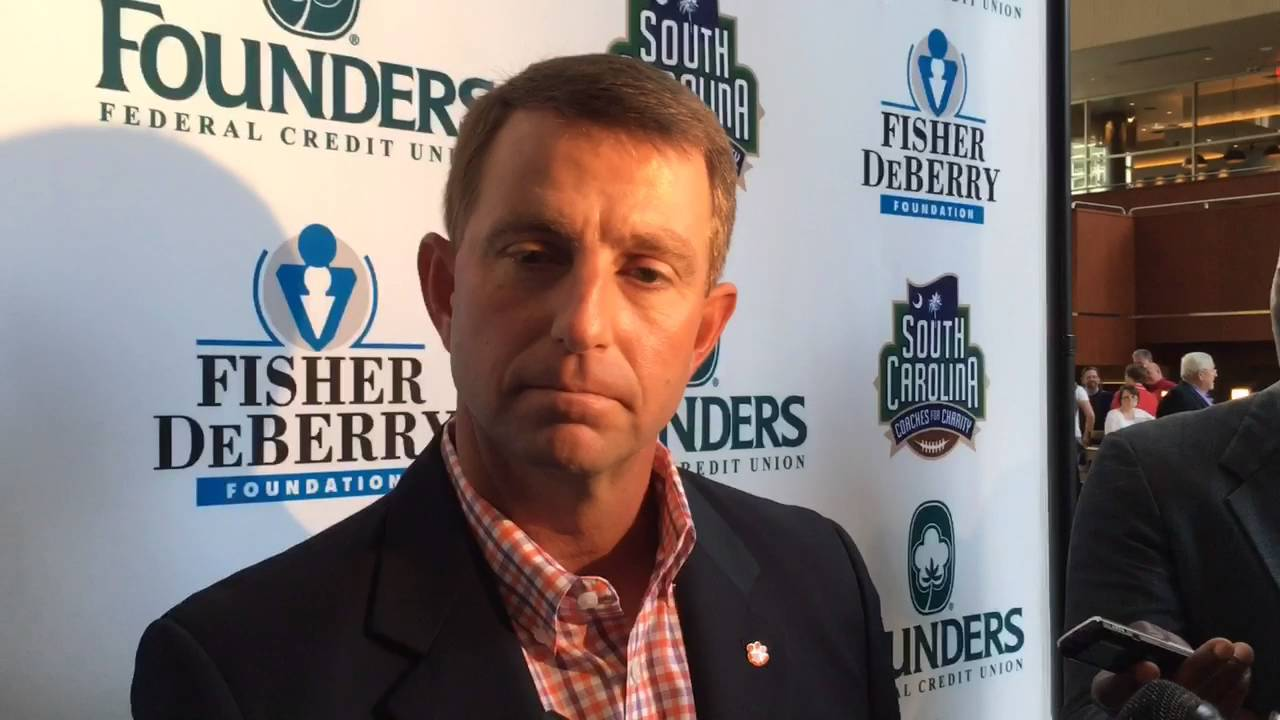Social media roasts Will Muschamp for South Carolina's loss to ...