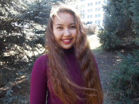 A Kazakh girl speaks 6 languages: English, Türkçe, Español, Deutsch, Қазақша, Русский