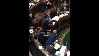 بالفيديو..بعد هجومه على الموازنة بالبرلمان..نقاش جانبى بين