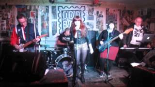 The Flatmates - Happy All The Time Live 2014 Dalston