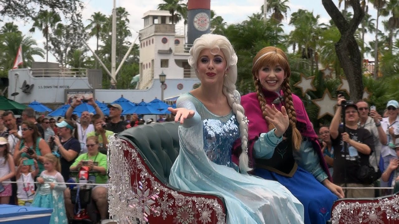 Frozen Summer Fun Royal Welcome Parade Anna Elsa