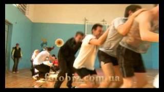 Физкультура в школе №12 город Евпатория 2010г.(http://fotobiz.com.ua Урок физкультуры в школе №12 города Евпатории 2010г., 2010-11-04T16:17:39.000Z)