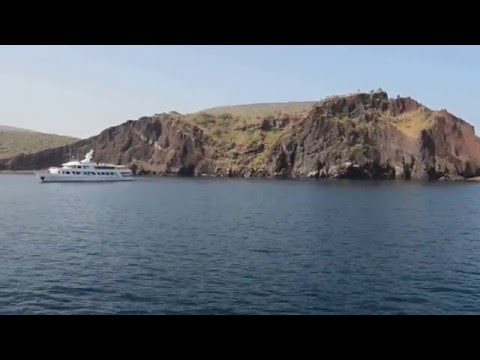 M/Y Passion Galapagos Luxury Cruise at Bucaneers Cove