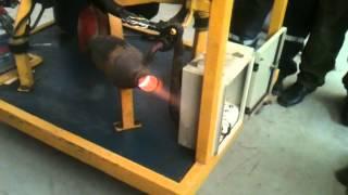 Video tubo de escape, motor maqueta nissan V16