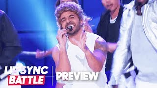 "Luis Fonsi Performs *NSYNC's ""It's Gonna Be Me"" 