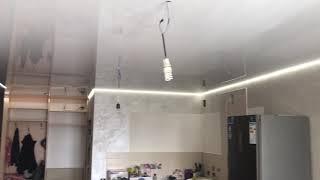 Парящий натяжной потолок и профиль гардина с подсветкой