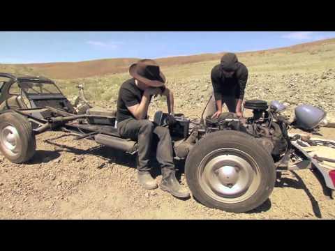Mythbusters 10 : Comment transformer une Citroën 2CV en moto !