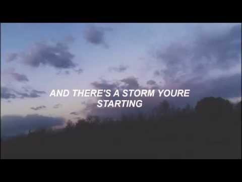 Halsey // Hurricane (Lyrics)