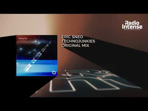 Premiere: Eric Sneo - Technojunkies (Original Mix) [Tronic] // Techno