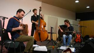 Trio JeanLo,-Pas d'Blaz (Scottish)