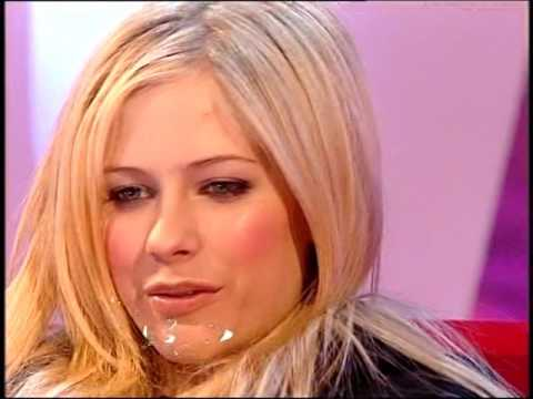 Avril Lavigne on the spot Fearne Cotton
