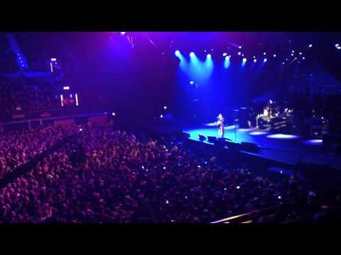 Alter Bridge - Wonderful Life LIVE [HD] 1080p - Wembley Arena, London 29 NOV 2011