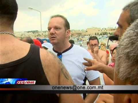 Ġlieda waqt protesta kontra Camping Site f'Marsaxlokk