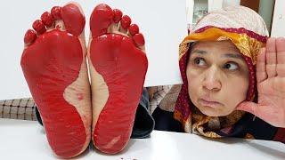 Prank! Foot Walk in Kerem's Paint, Ayse to Kerem Shock Paint Joke, 3
