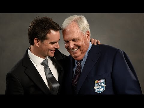Hendrick thanks his NASCAR family in Hall of Fame speech