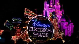 360º View of Main Street Electrical Parade in Walt Disney World