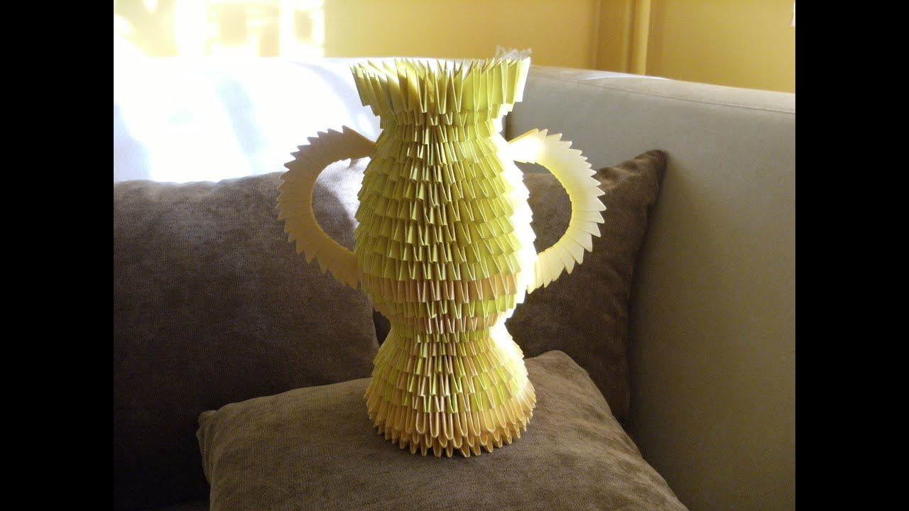 3d origami golden trophy vase how to make instruction youtube floridaeventfo Image collections