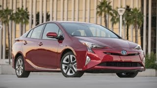 Toyota Prius 2018 Car Review