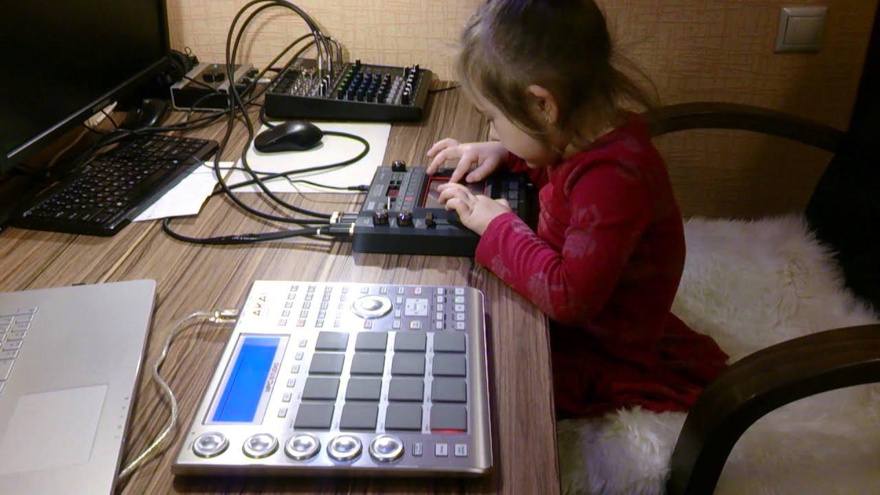 Dj Nika Tix Akai MPC Studio Korg Kaoss Pad KP3 Mackie 802 Vlz 4