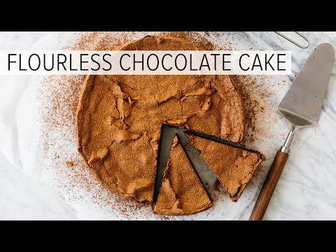 FLOURLESS CHOCOLATE CAKE | easy, gluten-free, paleo and keto friendly