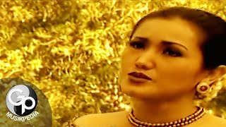 Download Evie Tamala - Tunggara (Official Music Video)