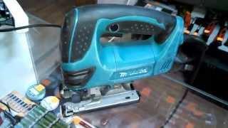 Лобзик Makita 4350CT. Купить инструмент(Лобзик Makita 4350CT в отличном состоянии. Цена: 2550 грн. Сайт: http://prof-master.net/ Доставка электроинструмента по всей..., 2015-02-20T07:44:37.000Z)