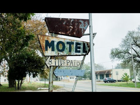 ABANDONED Businesses in Popular Tourist Destination  video