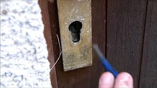 Ouverture d une porte verrouillee sans cles