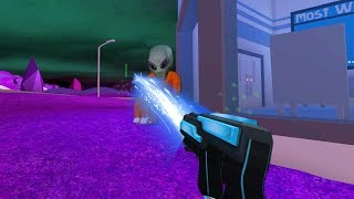 FREEZING ALIENS WITH A FREEZE RAY!! (Roblox Jailbreak)