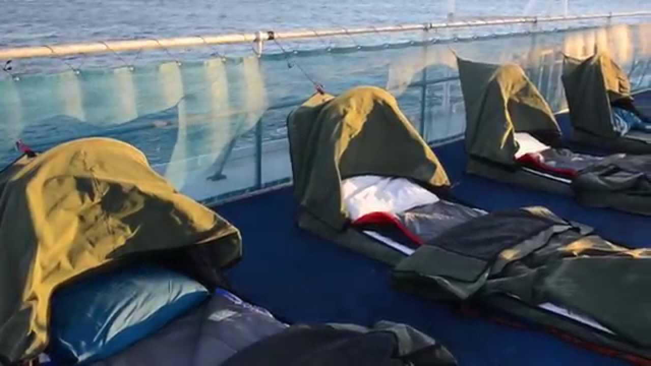 video Whitsundays Reefsleep Tour