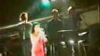 Bjork- Army of Me (Live)