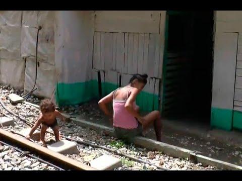 Villa Caracas, el asentamiento de venezolanos junto a vía férrea en Santa Marta  | Noticias Caracol