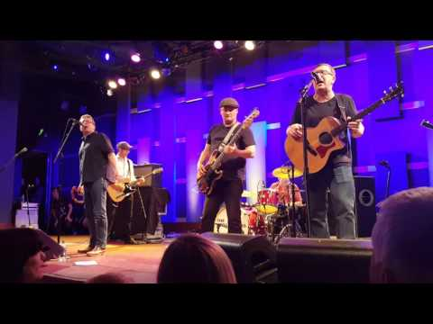 The Proclaimers - I'm Gonna Be (500 Miles) (9/16/2016 @ World Cafe Live, Philadelphia)
