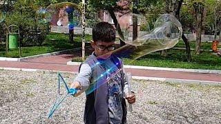 Buğra'nın Sabun Balon Gösterisi. Slow Motion Video