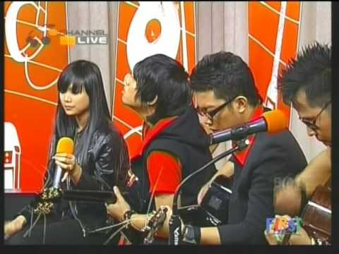Poinplus Live Performed di FYI. (Courtesy O'Channel)