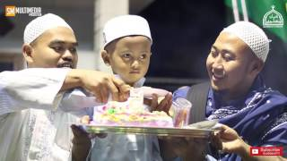 "Video "" New "" Selamat Ulang Tahun Guru Kecilku "" Voc. Hafidzul Ahkam. download MP3, 3GP, MP4, WEBM, AVI, FLV Mei 2018"
