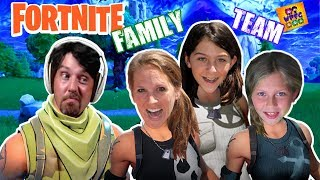 OH NO WE'RE PLAYING FORTNITE!! WACKY PACK FAMILY FORTNITE GAMING TEAM! BATTLE ROYALE FUNNY MOMENTS!