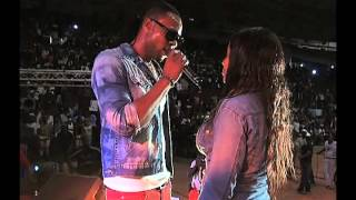"Flavour Performs ""Chinny Baby"" Live In Cameroun"