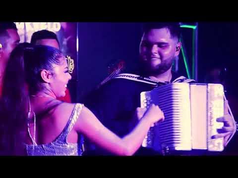 La Colegiala - Natalia Curvelo & Camilo Mugno